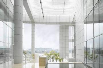 Richard Meier complete works Taschen 07_OCT--Shenzhen-Clubhouse-Roland-Halbe