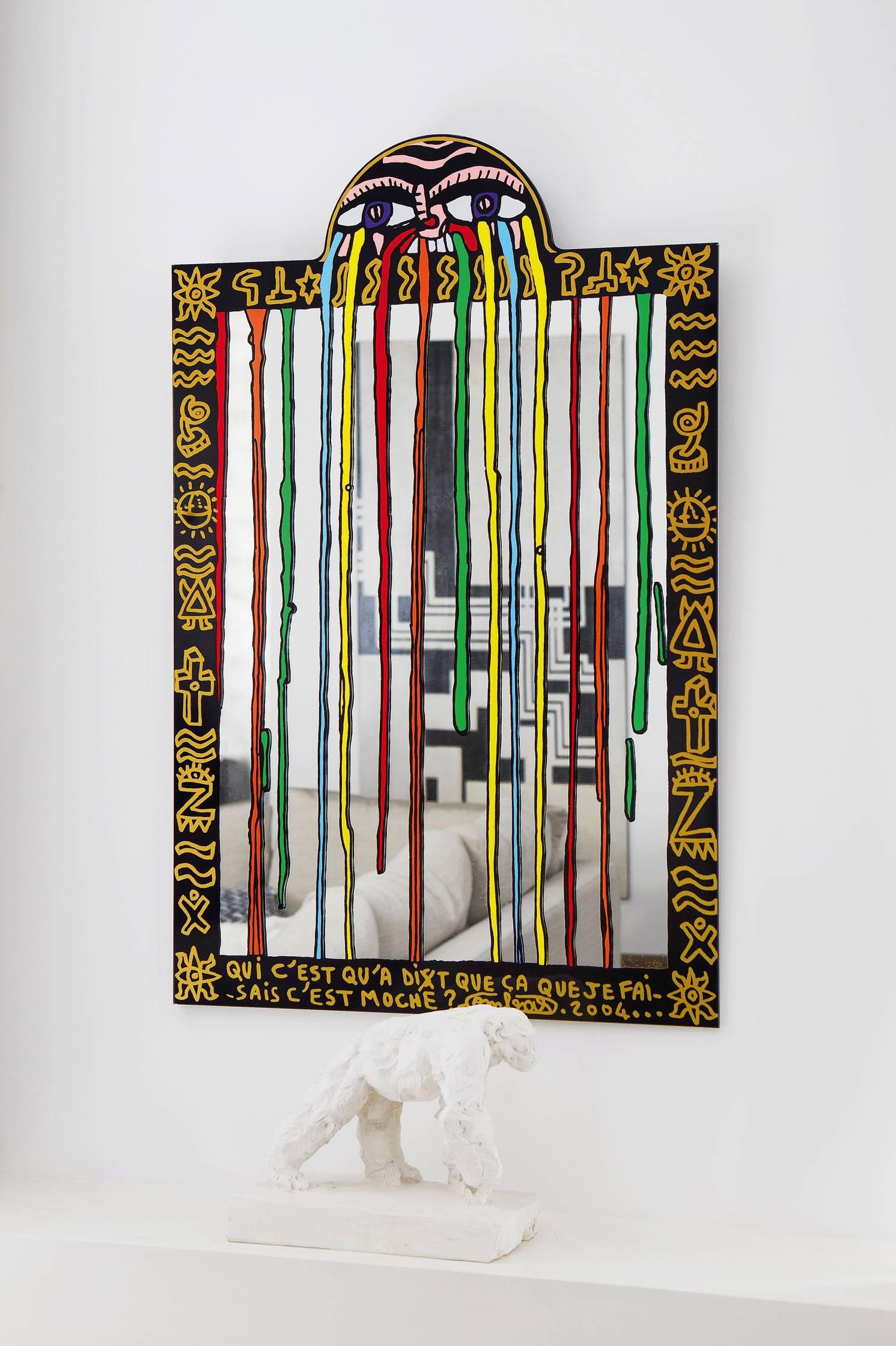 Devant le miroir Combas, un gorille Artis Boromé.