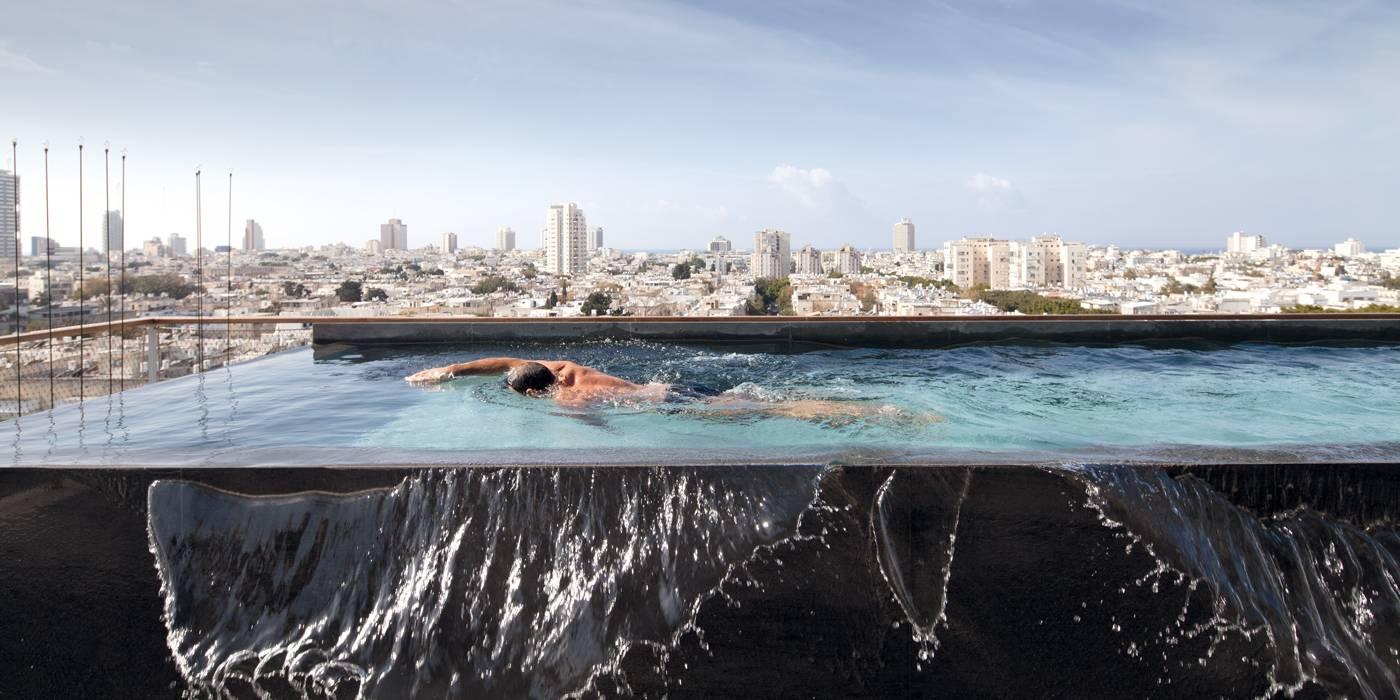 Tel aviv une piscine sur le toit id es d co meubles for Piscine sur toit garage