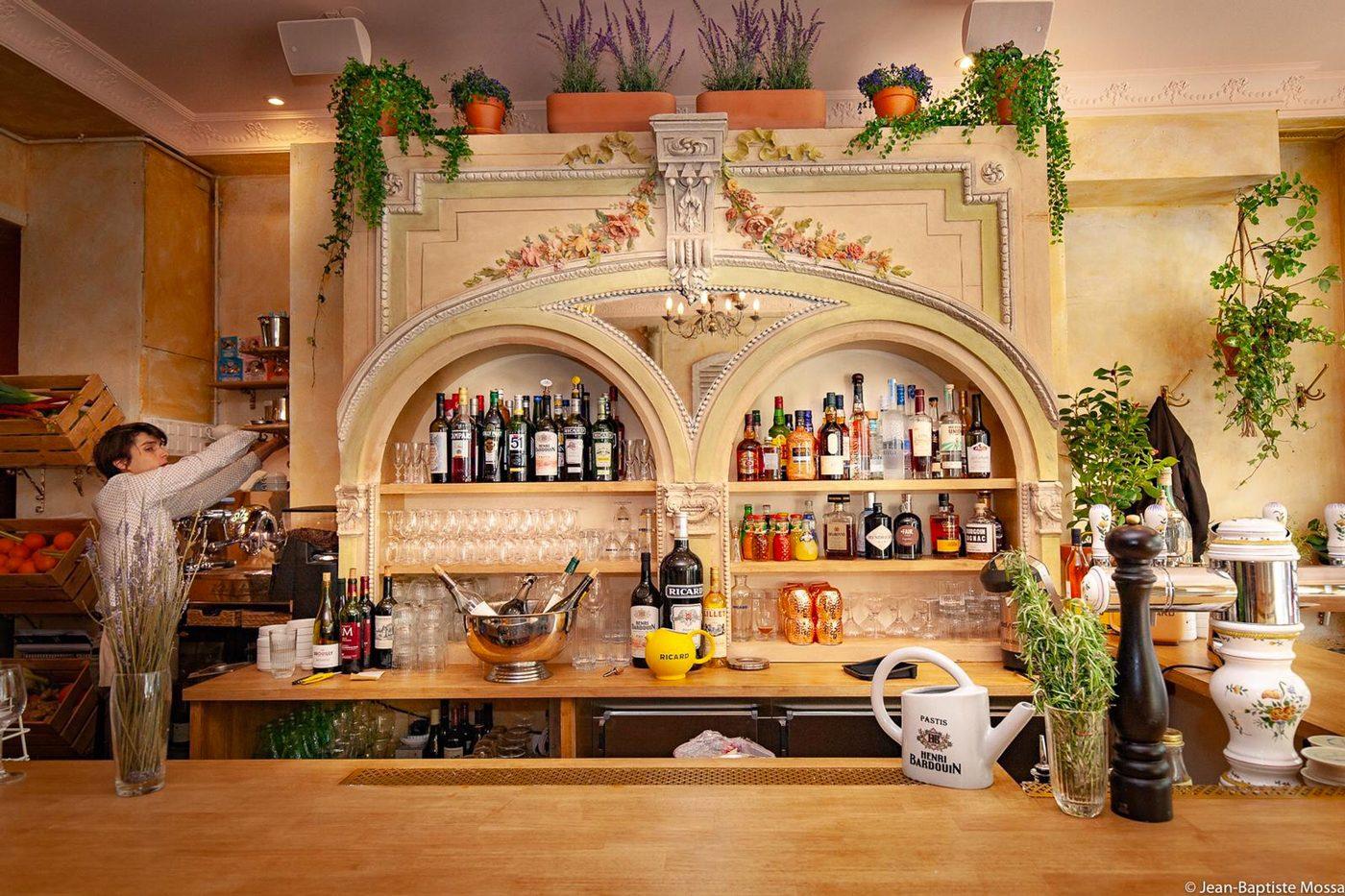 brasserie Cezanne, bar